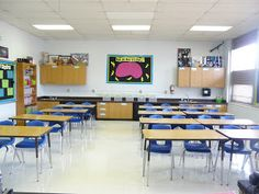 6th Grade Science Classroom-includes some great ideas about organizing and decorating a middle school room