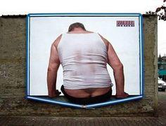 Kolejna reklama zachęcająca do odwiedzenia siłowni.