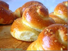 pâte à tresse Easy Bread Recipes, My Recipes, Donuts, Sweet Buns, Bread Rolls, Sweet Bread, Bagel, Brunch, Food And Drink