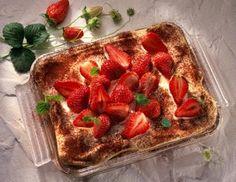 Strawberry tiramisu Strawberry Tiramisu, Desert Recipes, Waffles, French Toast, Deserts, Fruit, Breakfast, Food, Drinks