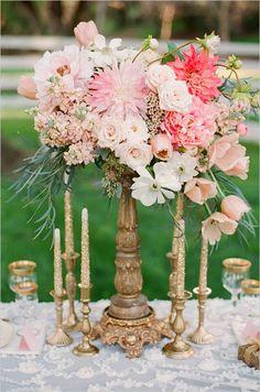 Stunning gold floral wedding centerpiece #gold #centerpiece #weddings | but with sparkly vase
