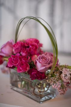 liking this for the reception Beautiful Flower Arrangements, Love Flowers, Fresh Flowers, Floral Arrangements, Beautiful Flowers, Our Wedding Day, Wedding Events, Weddings, Pink Roses