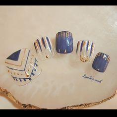 Cute Pedicure Designs, Blue Nail Designs, Fancy Nails, Bling Nails, Stylish Nails, Trendy Nails, Water Nail Art, Feet Nail Design, Asian Nails