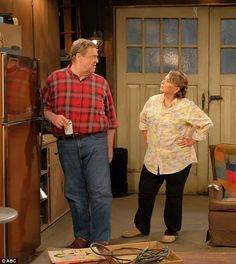 The show will bring back all of the original stars, with Roseanne Barr and John Goodman starring as Roseanne and Dan Conner, with Laurie Metcalf and Sara Gilbert. Roseanne Tv Show, Roseanne Barr, John Goodman Roseanne, Series Movies, Movies And Tv Shows, Dan Conner, Sara Gilbert, Tv Couples, Tv Land
