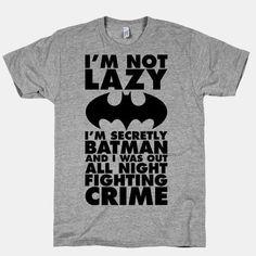 Showcase batman gifts that you can find in the market. Get your batman gifts ideas now. T Shirt Designs, Design T Shirt, Batman Shirt, I Am Batman, Funny Batman, Funny Shirts, T Shirts, T Shirt Custom, Nananana Batman