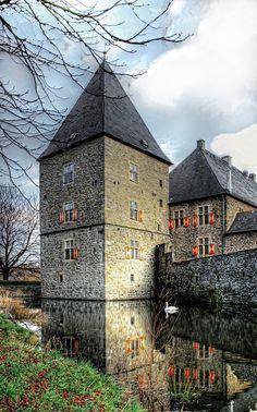 "Moated castle ""Haus Kemnade"" in Blankenstein, a borough of Hattingen - North Rhine-Westphalia - Germany"