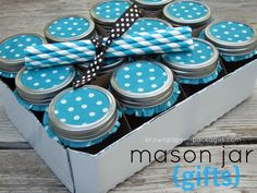 Mason Jar Drinking Glass Gift Set - Use cupcake liners on jar tops. Cute idea to just decorate them as individual filled jar gifts too. Mason Jar Lids, Mason Jar Crafts, Canning Jars, Wrapping Ideas, Gift Wrapping, Do It Yourself Inspiration, Baileys Irish Cream, Jar Gifts, Food Gifts