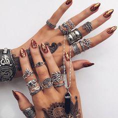 Bohemian Jewelry Book Bohemian Necklace And Earrings Nail Jewelry, Cute Jewelry, Jewelry Accessories, Jewelry Shop, Jewelry Rings, Silver Jewelry, Jewelry Quotes, Jewelry Holder, Silver Cuff