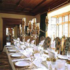 luxury-17th-century-dining-table