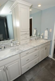I like the mirrors an I want good lighting Master Bedroom Bathroom, Bathroom Renos, Lake Bathroom, Boy Bathroom, Bathroom Layout, Bathroom Ideas, Bathrooms, Shower Remodel, Bath Remodel
