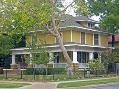 American Four Square Wrap around porch? Craftsman Exterior, Craftsman Bungalows, Craftsman Style, Exterior Homes, Craftsman Homes, American Craftsman, Exterior House Colors, Exterior Paint, Square House Plans