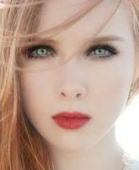 Winter Lady -Molly Carpenter- Molly Quinn