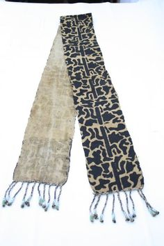 Artesania de Africa. Bordados y telas tela étnica pintada a mano. beaded