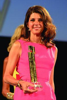 Marisa Tomei col Green Network Prize al Taormina Film Fest 2013.