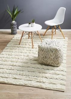 View Rug Culture Fusion Compound Ivory Floor Area Rugs at Swan Street Sales. Shop online or visit our store for the largest range of Floor Rugs at the best prices. Tribal Decor, Rug Size Guide, Carpet Trends, Transitional Rugs, Diy Carpet, Hand Tufted Rugs, Round Rugs, White Rug, Rustic Rugs