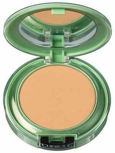 Clinique Perfectly Real Compact Makeup: this pressed powder comes in 20 shades and leaves a slightly matte, opaque finish Clinique Makeup, Powder Foundation, Eye Make Up, All Things Beauty, Natural Looks, Makeup Collection, Compact, Facial, Hair Beauty