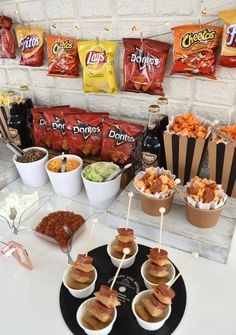 a walking taco bar for your next celebration! Create a walking taco bar for your next celebration!Create a walking taco bar for your next celebration! Party Food Bars, Party Food Buffet, Snacks Für Party, Taco Bar Buffet, Nacho Bar, Teen Party Foods, Mini Party Foods, Candy Buffet Tables, Party Food And Drinks