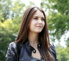 Elena Gilbert (Nina Dobrev)