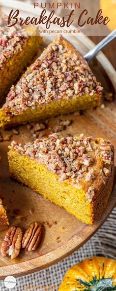 Breakfast Recipes Pumpkin Breakfast Cake with Pecan Crumble - a delicious, easy treat with a wonderful soft, moist crumb and a crunchy, sweet crumble top. You and your guests will remember this cake long after it disappears! Breakfast And Brunch, Pumpkin Breakfast, Pumpkin Dessert, Breakfast Cake, Breakfast Muffins, Pumpkin Crumble Cake, Pumkin Cake, Pumpkin Pumpkin, Brunch Recipes