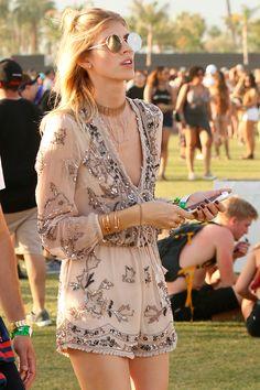 Coachella 2017: Los mejores looks de las celebrities  http://stylelovely.com/galeria/coachella-2017-mejores-looks/