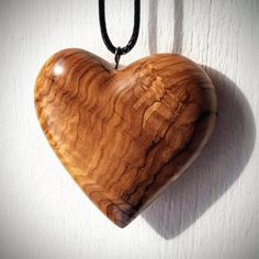 Wood Burning Crafts, Wood Crafts, Wooden Jewelry, Resin Jewelry, Wood Oil Finish, Dremel Wood Carving, Wood Resin, Wood Necklace, Wooden Art