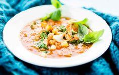 Kana-kvinoakeitto Soup Recipes, Healthy Recipes, Risotto, Soups, Ethnic Recipes, Food, Chowders, Soup, Hoods