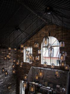 Bar funde estilos rústico e industrial - Casa Vogue | Comida & bebida