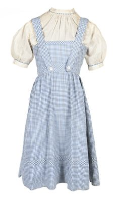 There might be no place like home, but for Judy Garland's blue gingham dress from The Wizard of Oz, there was no place like the West Coast when the dress sold at Julien's Auctions on Saturday, November 10, for a record-setting $ 480,000.