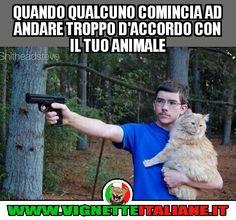 Quando qualcuno comincia ad andare troppo d'accordo con il tuo animale :D (www.VignetteItaliane.it)