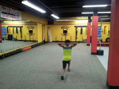 Walking lunges @ Hostyle Youth Conditioning