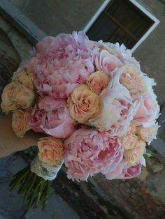 Bouquets, Floral Wreath, Wreaths, Rose, Flowers, Plants, Home Decor, Floral Crown, Pink