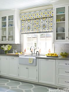 Gray And Yellow Kitchen Decorating Ideas. Modern Kitchen Design Trends 2019 Two Tone Kitchen Cabinets. Verrire Extrieure Atelier Pour Confrer La Maison Un . Home and Family Design Seeds, Grey Kitchens, Home Kitchens, Kitchen Grey, Kitchen Yellow, Yellow Kitchens, 1940s Kitchen, Kitchen Modern, Neutral Kitchen