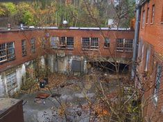 Hayswood Hospital, Maysville, Kentucky  -built in 1915, abandoned in 1983
