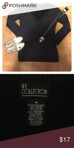 Comfy Sparkly Black NY Collection Sweater This sweater is super comfortable and sparkly!! Perfect for the upcoming winter months!! NY Collection Sweaters V-Necks