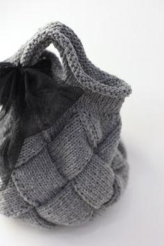 Knitting Patterns Free, Crochet Patterns, Knit World, Wicker Purse, Jute Bags, Knitted Bags, Crochet Designs, Handmade Bags, Knitting Projects