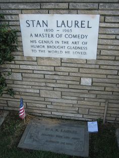 Grave Marker- Stan Laurel: Here lies one half of Laurel and Hardy. Cemetery Monuments, Cemetery Headstones, Old Cemeteries, Cemetery Art, Graveyards, Laurel And Hardy, Unusual Headstones, Famous Tombstones, Famous Graves