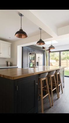 From The Shaker Kitchen Company Curved Kitchen Island, Country Kitchen Island, Barn Kitchen, Kitchen Island Decor, Kitchen Family Rooms, Shaker Kitchen, Kitchen Living, New Kitchen, Kitchen Diner Extension