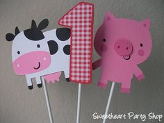 Farm themed birthday decorations