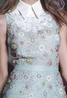 Peter Som - so feminin, so classy Fashion Details, Fashion Design, Couture Fashion, Runway Fashion, Passion For Fashion, Retro, Dress To Impress, Beautiful Dresses, Dress Up