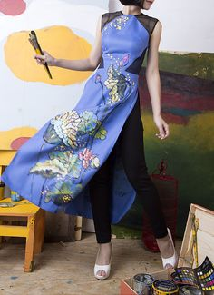 Vietnamese long slitted dress -Hand-painted pattern (Lotus)_____The dress is in 2016 Spring collection of Tiny Ink. The patterns are hand-painted completely by Vietnamese artist.  See more unique products of Tiny Ink at:  http://tinyink.com.vn/  https://www.facebook.com/TinyInk