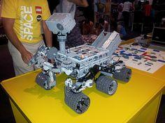 Lego Curiosity Mars rover explores barren surface of Kennedy Space Center (video) Curiosity Rover, Curiosity Mars, Lego Mindstorms, Lego Nxt, Projects For Kids, Diy Projects, Kennedy Space Center, Pokemon, Lego Models