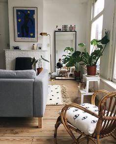 Home // studio, tiny apartment, bohemian, matisse, moroccan rug, ikea sofa, rotan chair, monstera, urban jungle, plants, amsterdam, cosy room