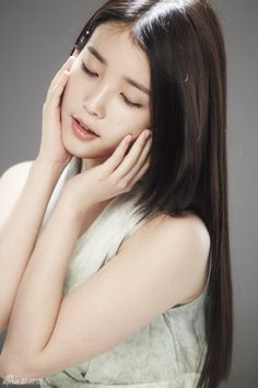 IU is quite adorable in BTS photos for The Saem | Ningin. She is one of the dreamiest babes I have ever seen :) . . .