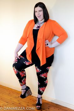 Love the leggings and shoes! Big Girl Fashion, Curvy Fashion, Plus Size Fashion, Fashion Looks, Women's Fashion, Curvy Style, My Style, Curve Leggings, Plus Size Sewing