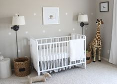 De tijd dat de babykamer roze of blauw moest zijn is allang voorbij. Misschien ben je helemaal ge...