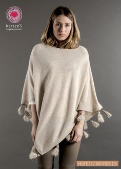 6153-5003 our ponchos the most elegant accesoir for every cold day #cashmere #herzensangelegenheit #herzens #winterfashion