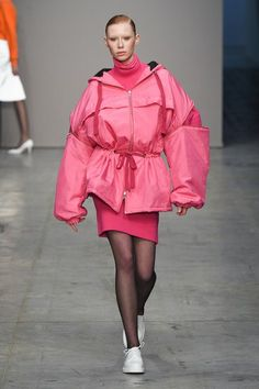 Lucio Vanotti Fall 2018 Ready-to-Wear Fashion Show Collection: See the complete Lucio Vanotti Fall 2018 Ready-to-Wear collection. Look 34