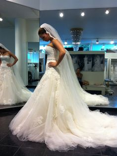 Svatební šaty od italského návrháře Enzoani