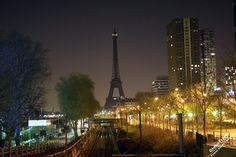 Один день в Париже Что посмотреть в Париже всего за один день. Эйфелева Башня ночью  Paris one day Effel off