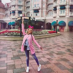 I think we can all agree that Disneyland Paris is the best park to try and step up our theme-park outfits. #refinery29 http://www.refinery29.com/disney-world-outfits#slide-11